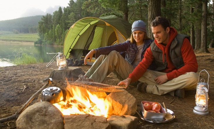 Camping Games for Couples: Fun Activities to Do When Camping