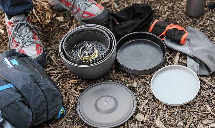 Esbit Alcohol Stove on the ground