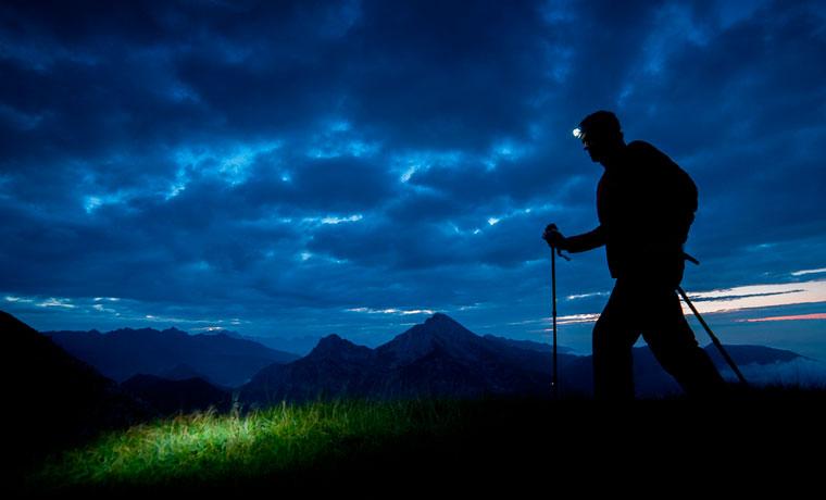 Hiking-at-night (1)