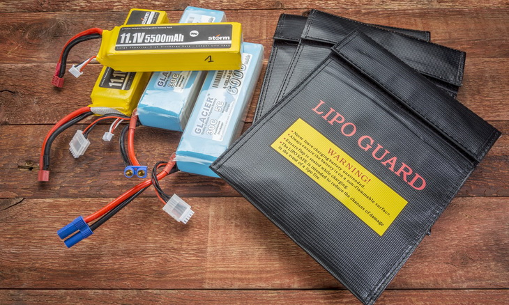 Lipo Batteries on the Table