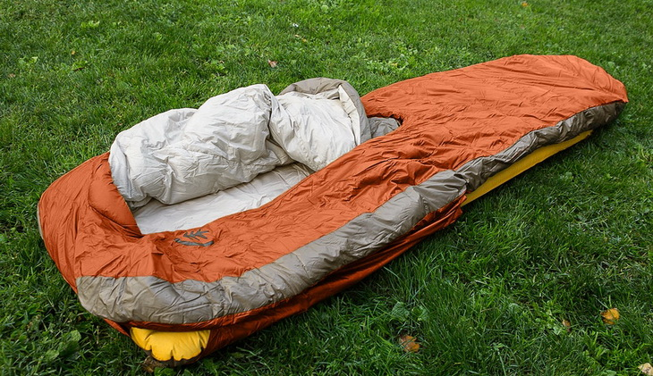 Sierra Designs Backcountry Bed 600 3-Season