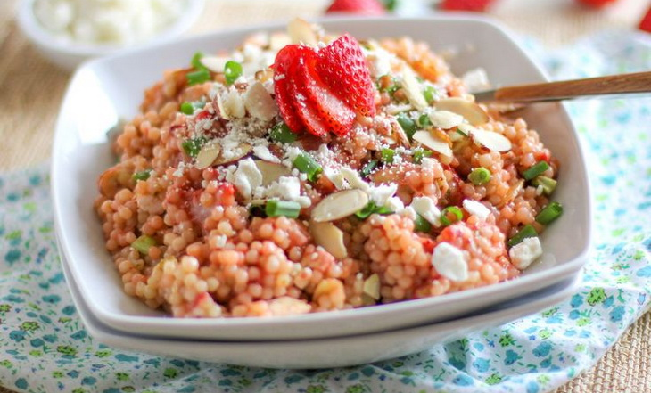 Sweet couscous with seasonal fruits