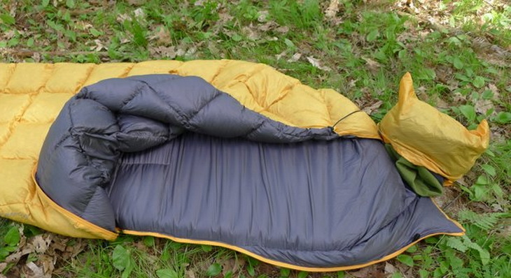 Big Agnes Pitchpine on the grass