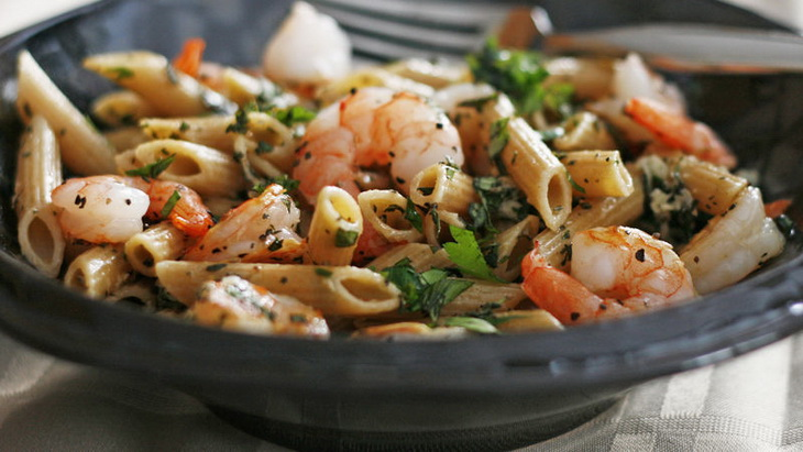 Whole Wheat Pasta with Shrimp and Herbs