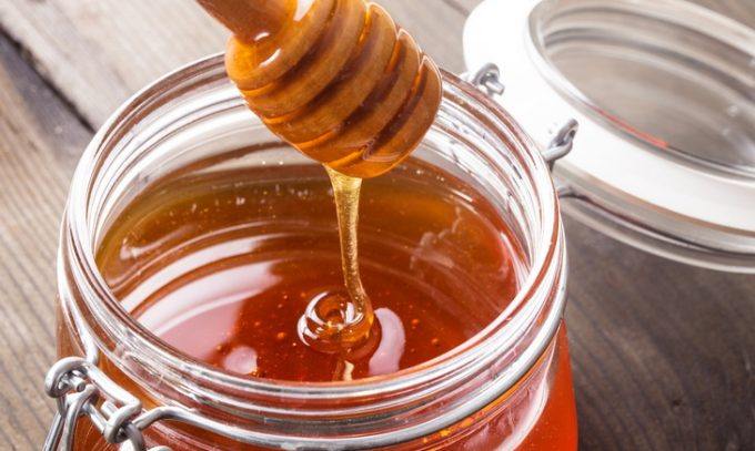 honey uses on wound Manuka honey is one of the most unique and honeys in the world there are many manuka honey uses, including for sore throats, digestive illness and more.