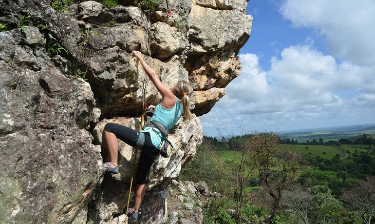 A woman climbing at Serra da Bocaina