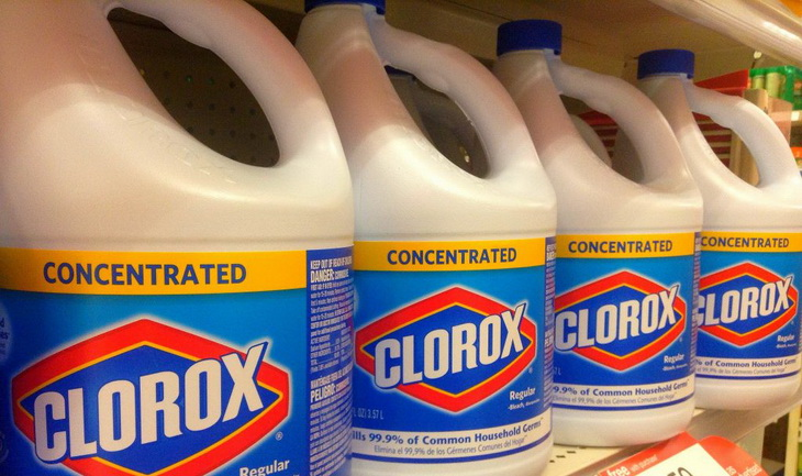 clorox-bleach in a shop