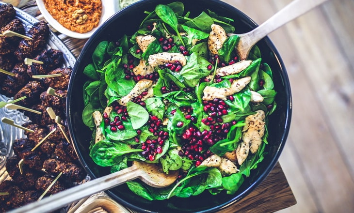 Spinach, chicken & pomegranate salad