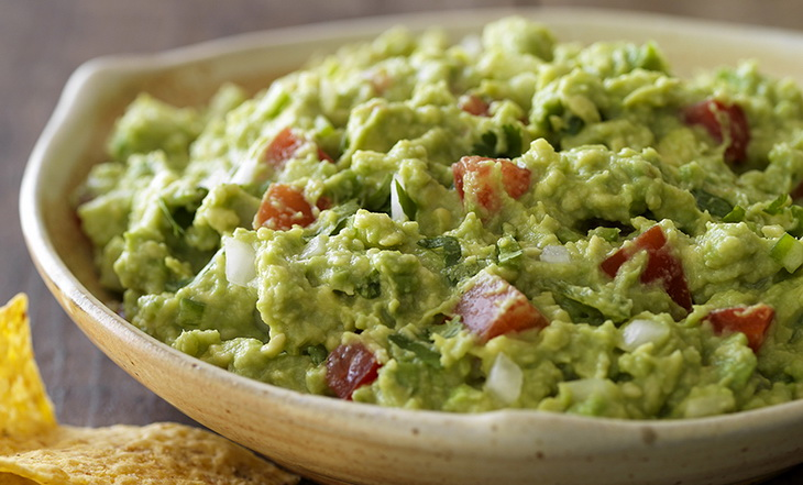 guacamole food on a plate