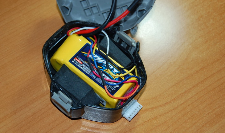 Lipo battery pack laying down