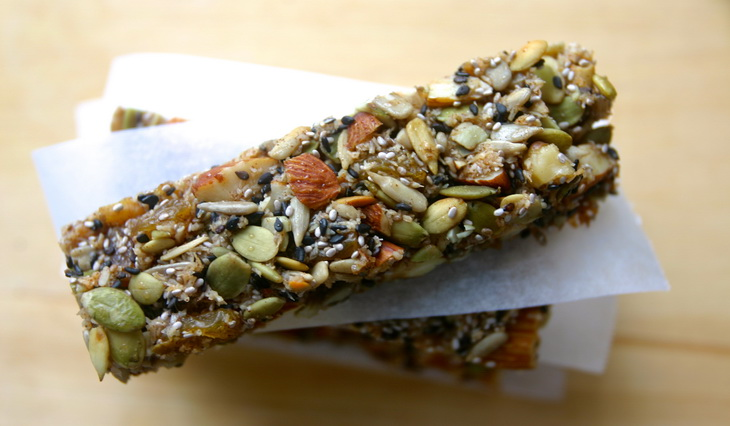 paleo KIND granola energy bars (nut and seed bars, gluten free, grain free
