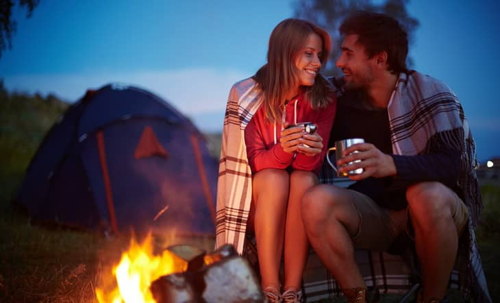 romantic couple vacations in tent in Tuscany Marina di Castagneto