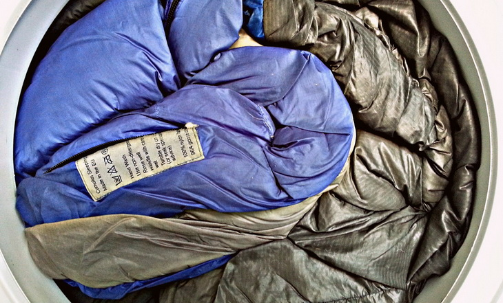 How to Clean a Sleeping Bag: Keep Your Sleeping Bag in ...