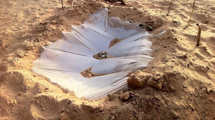 solar-still-in-desert