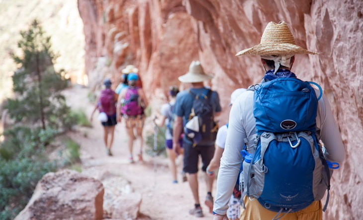 summer hiking in the grand canyon