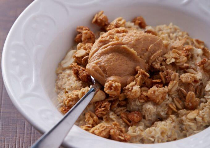 Crunchy Peanut Butter Oatmeal